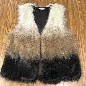 Ombré Faux Fur Vest COTTON ON, Size Medium
